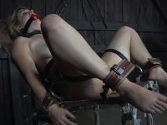 Порно модель с большими сисяками