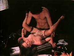 Совсем большие сиськи порно видео