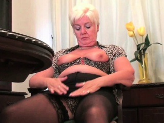 Mom in sexy pantyhose