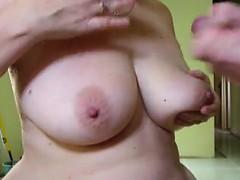 Порно мама огромными дольками села на меня