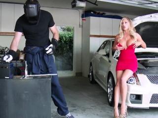 Порно жена дрочит мужу с разговорами