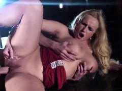 Секс с тиной текиллой видео