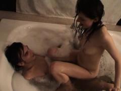 Обмен женами в кровати порно видео
