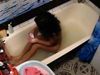 Шпионаже на сексуально девушка в ванне