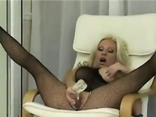 Соло молодых девушек дома частное видео