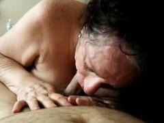 Порно видео с грудастенькой девушкой