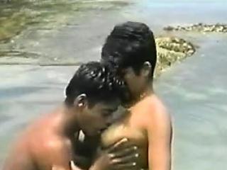 Horny brazilians fucking in the ocean...