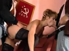 Девушка и 2 мужика секс видео