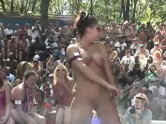 seks-video-saetlar-lesbiyanki-zhadno-sosutsya-pered-fotokameroy-krupno