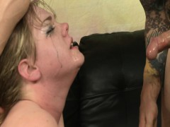 Девушка с большой натуральной грудью онлайн