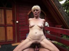 Жесткое видео с сексмашинами онлайн бесплатно
