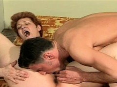Сучки с членом порно фото