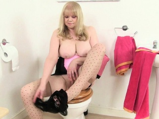 British granny elaine dildo on toilet...