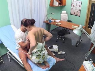 Порно большие задницы подглядывание