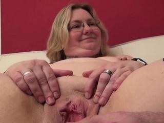 Порно у старушки сквирт фото 764-161