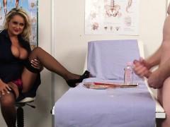 Изврощение лезбиянок видео