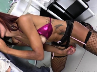 Shemale Babe Fernanda Cristine Fucks A Guy