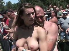 Одинокие голые женщины