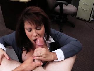 Порно на камеру снимает жену частное