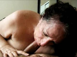 Блядей ебут в рот фото