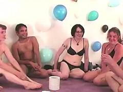 Порно грудастой девушкой на дискотеке