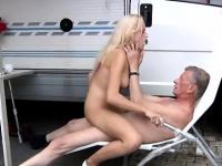 Порно ебут на бал