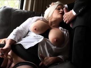 Тетя с анальной пробкой смотреть порно онлайн