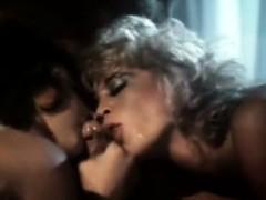 Порно в кабинете массажа