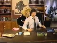 Видео жена учит мужа страпону