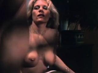John Holmes, Chris Cassidy, Paula Wain in vintage porn scene