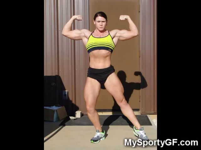 Sex Movie of Muscle Gfs At The Gym!