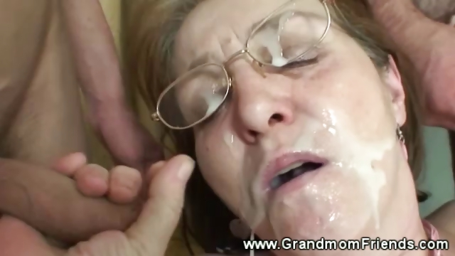 Porno Video of Horny Granny Gets Facial From Men