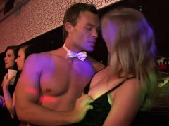 Порно негров с красивыми трансами