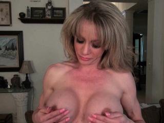 Огромные предметы в вагине смотреть порно онлайн