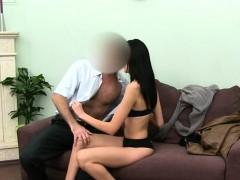 Порно в тюрьме с девочкой