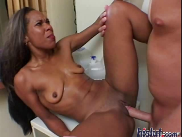 Porno Video of Braziliana Is An Exotic Black Babe