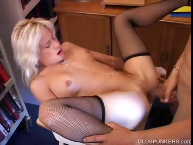 Porn Tube of Sexy Blonde Milf In Stockings