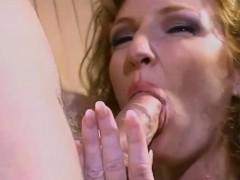 Секс порно видео красивый в попку в три дырки