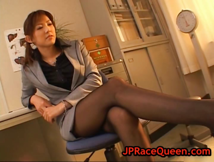 Porn Tube of Sweet Hiromi Aoyama Gets Pussy Licked Part3