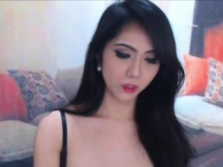 Luscious Asian Shemale Shows Hot Body