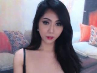 Luscious Asian Shemale Shows Hot Body