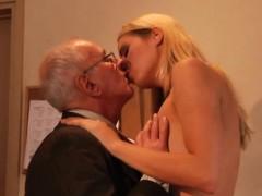 Порно онлайн худые телки и толстые члены