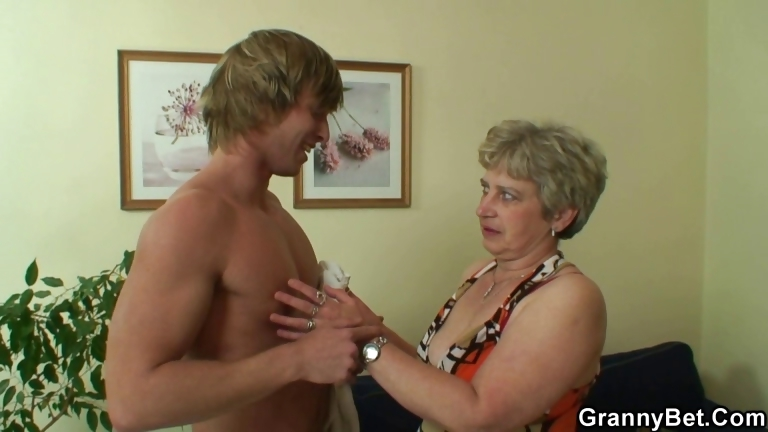Porno Video of Hot Guy Bangs Lonely Granny