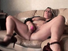 Смотреть видео жесткое порно со зрелыми чужими мамками и женами с большими сиськами
