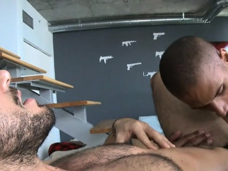 Fleshly and pleasuring gay massage session
