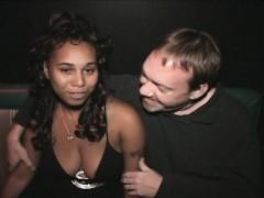 порно мужик слизал сперму с пизды