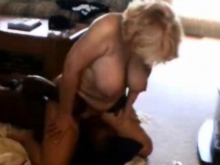 Порно жирные старухи извращенки
