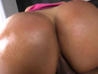 Cute Shemale Britney Colucci Takes It In The Ass