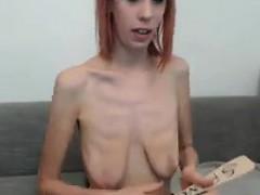 Порно ролик попой на бутылку