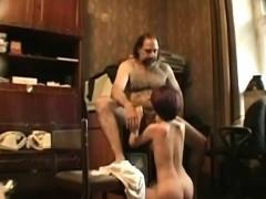 Порно пьяные девки сосут хуй